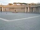 Maestosita' del Colonnato nella Piazza