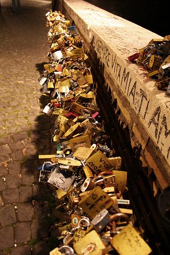 Ponte Milvio - Pegni d'amore