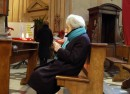 Gli anziani pregano anche per chi li dimentica