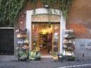 Un negozio in Trastevere