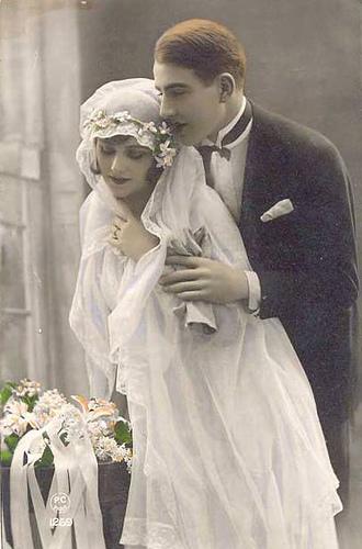 Sposi in una antica cartolina