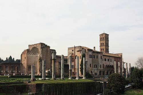 Foro Romano con la chiesa di Santa Francesca Romana