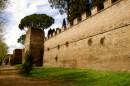 Mura Aureliane che circondano il Cimitero Protestante