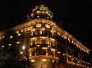 Albergo di Via Veneto illumina la notte