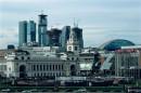 Distruzione del centro storico di Mosca Palazzi nuovi dietro alla stazione centrale Kievsky (cortesia Maps)