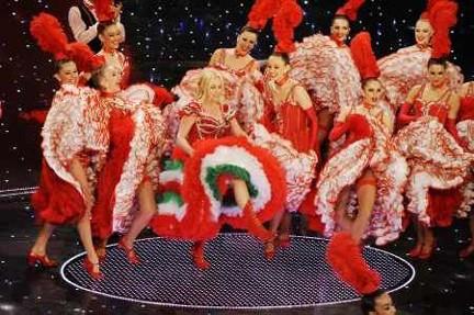 Antonella Clerici balla il can-can con il Moulin Rouge