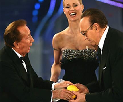 Sanremo 2007: Pippo Baudo e Mike Bongiorno sullo stesso palco per l'ultima volta