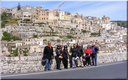 in scooter in sicilia