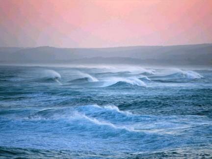 Immgini di mare calmo ed in burrasca