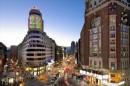 La strada simbolo di Madrid, frenetica, moderna ma con tutto il fascino demodé di una vecchia stella del cinema. Da non perdere.