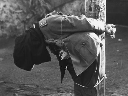 Dostler fucilato, Aversa 1945