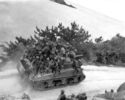 Sherman a Okinawa