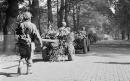 Paracadutisti britannici in marcia, Olanda 1944