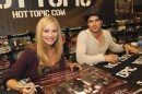 Ian Somerhalder e Candice Accola: Hot Topic Dallas