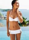 Adriana Lima in Bikini per il nuovo catalogo di Victoria Secret