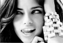 Adriana Lima Splendide Foto su Elle US Marzo 2009