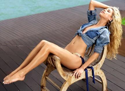 Anna Kournikova bellissima e in 3D per Maxim