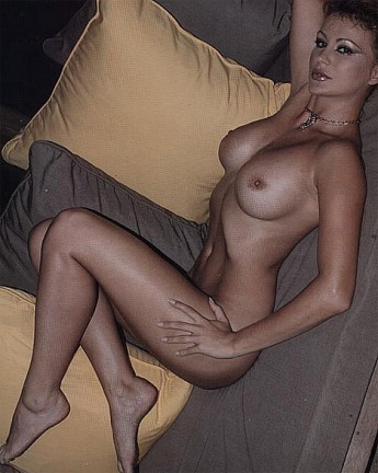 nude sexy girls having open sex