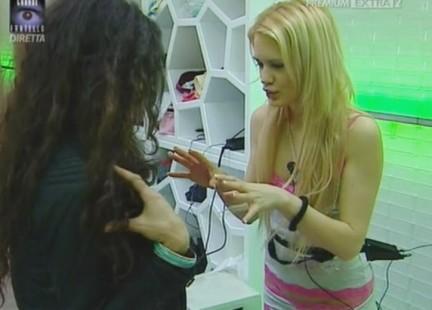 GF9: Laura e Cristina Primo Contatto