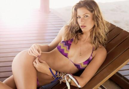 Gisele Bundchen in sexy bikini per Calzedonia