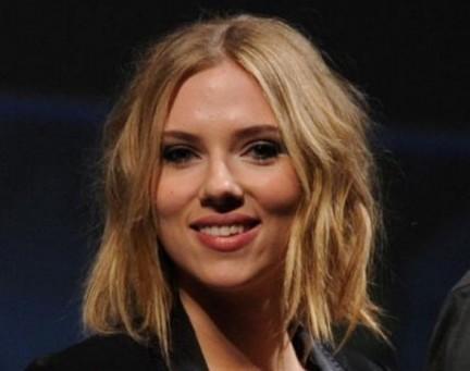 Scarlett Johansson un taglio ai capelli!