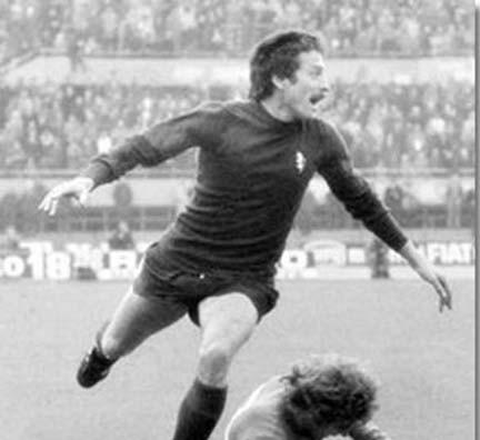 Renato Zaccarelli contrasta Marcello Lippi in un Torino-Sampdoria