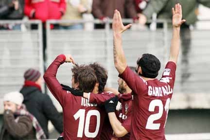 Iunco, Garofalo, De Vezze e Lazarevic: gioia granata dopo l'1-0