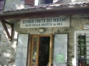 CAI: Rifugio Forte dei Marmi sulle Alpi Apuane