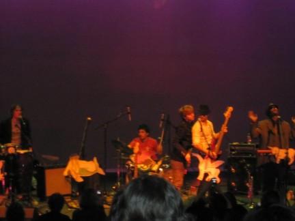 100 Monkeys: concerto a Baton Rouge