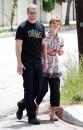 Kellan Lutz: pranzo con la madre e Annalynne