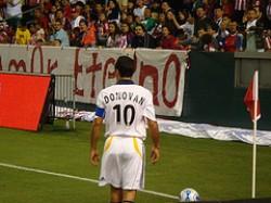 """""""Donovan si appresta a calciare un angolo"""""""