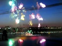 Fuochi d'artificio sul fiume Hudson