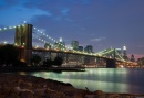 Scende la sera sul Brooklyn Bridge