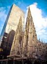 St Patrick's sommersa dai grattacieli