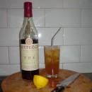 Long Island Iced Tea con liquore al te' in sostituzione della coca cola