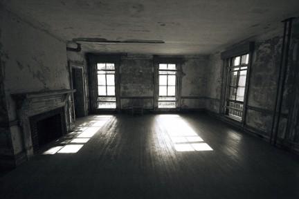 Le stanze abbandonate di Ellis Island
