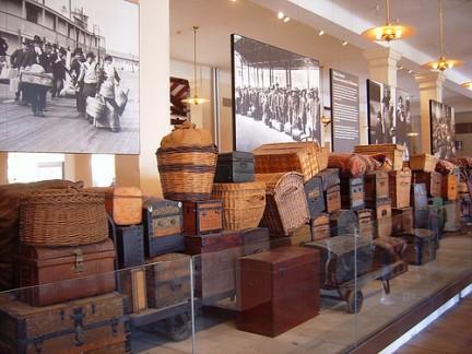 PRIMA Ellis Island - La stanza dei bagagli
