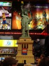 La statua della Libertà in Lego al Toys R Us
