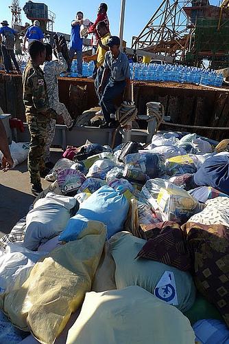 Arrivano gli aiuti per il popolo terremotato