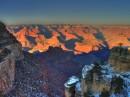 Il tramonto avvolge il Grand Canyon