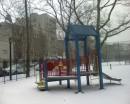 E' inverno e i bambini abbandonano i giochi nei parchi