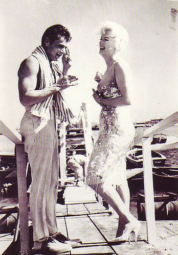 Tony Curtis e Marilyn Monroe in Some Like it Hot