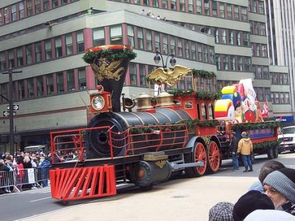 Macy's Thanksgiving Day Parade Trenino