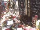 Lettere e fiori per Michael Jackson dopo la sua morte