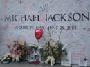 Un muro di ricordi per Michael Jackson