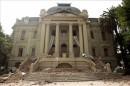 Facciata distrutta del Museo delle Arti Contemporanee Santiago