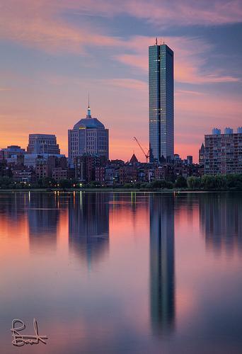 Luci del tramonto sui grattacieli e su Hancock Tower