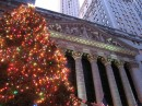Albero di Natale davanti al New York Stock Exchange