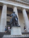 Federal Hall National Memorial in Wall Street - statua George Washington