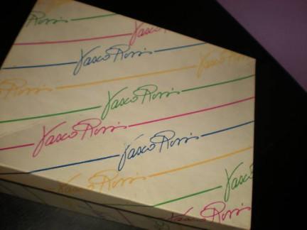 Le scarpe anni '80 di Vasco all'asta su Ebay